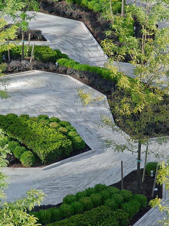 Four seasons hotel and residences for Hotel landscape design